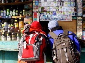 Госдума увеличила штрафы за повторную продажу алкоголя несовершеннолетним