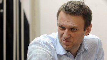 «Кризис в стране таков, что он довёл нас до войны». Оппозиционера Алексея Навального арестовали на 15 суток