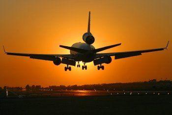 Пора валить: билеты на заграничные авиарейсы подешевеют на 12%