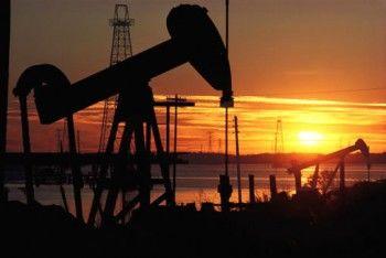 Стоимость нефти упала ниже 45 долларов