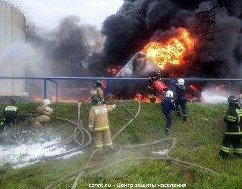 После пожара на нефтебазе в Нижнем Тагиле проверят технику безопасности на предприятиях, торгующих нефтепродуктами