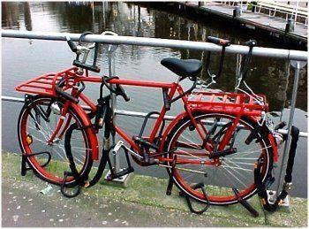 Как защитить велосипеды от воров. Советы полиции и шесть фотопримеров «как не надо делать»