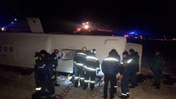 ВРостовской области перевернулся пассажирский автобус. Четверо погибших, 13 пострадавших