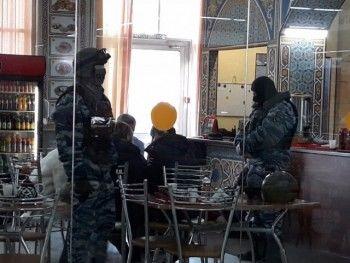 В Нижнем Тагиле девять нелегалов задержаны в тандырной ТЦ «Малина»