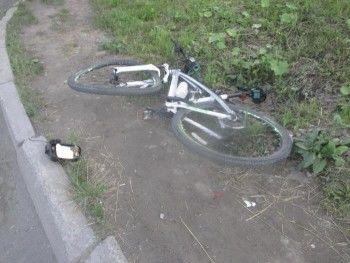 В Нижнем Тагиле ВАЗ сбил велосипедиста (ВИДЕО)