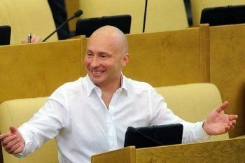 Вице-спикер Госдумы предложил доплачивать депутатам за переработку