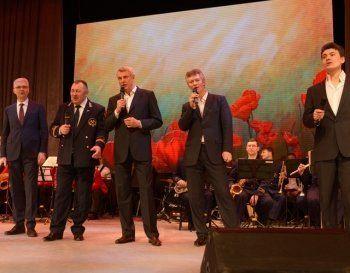 Сергей Носов спел для учителей в честь 8 марта песню Дунаевского (ВИДЕО, ФОТО)