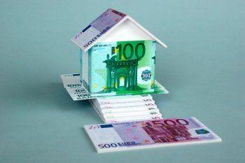 Брать ипотеку в долларах и евро могут запретить на уровне закона