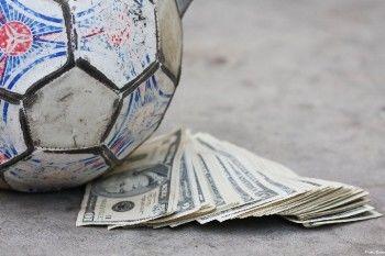 Российские футбольные клубы сделали то, что не удалось Центробанку