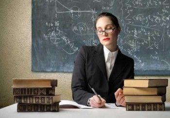 Учителей опять обижают