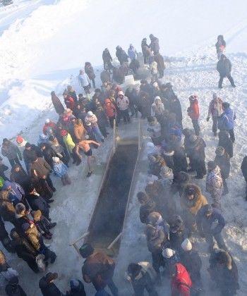 3000 тагильчан окунулись в прорубь