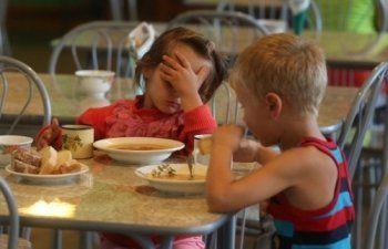 «У сотрудников пищеблока выявили норовирус». Прокуратура назвала причину массового отравления детей в школе Нижнего Тагила