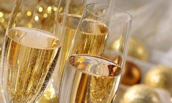 С Нового года повысятся цены на игристые вина и шампанское