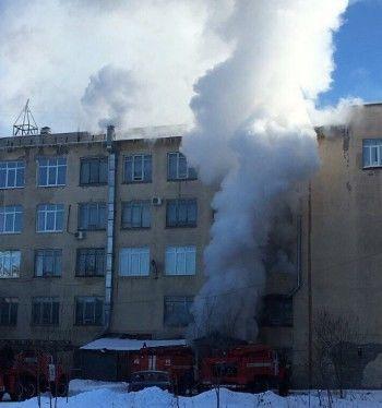 Причиной пожара в тагильском филиале УрФУ стало замыкание электроплитки