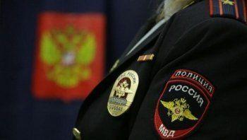 Правительство хочет запретить выезд за рубеж полицейским, имеющим доступ к гостайне