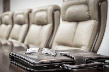 РБК анонсировало отставку десяти губернаторов до конца года