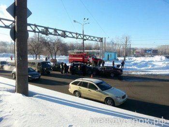 В центре Нижнего Тагила произошла массовая авария (ФОТО)