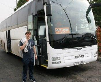 Судебные приставы арестовали автобусы ХК «Спутник», а игроки через суд требуют вернуть долги по заработной плате