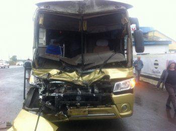 Автобус с уральскими туристами попал в аварию в Башкирии