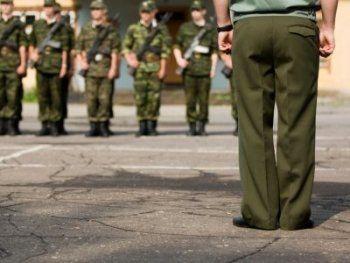 Депутат Госдумы предложил призывать уклонистов в армию до пенсии