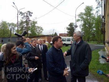 Врио свердловского губернатора Евгений Куйвашев осматривает пострадавший от урагана Нижний Тагил