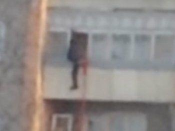 В Нижнем Тагиле семиклассник снял смертельное падение с 7-го этажа на камеру мобильного телефона. «Мы были в шоке и не понимали, что происходит»