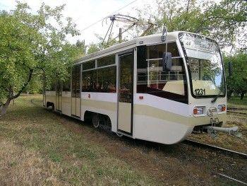 За трамваями в очередь, пожалуйста!