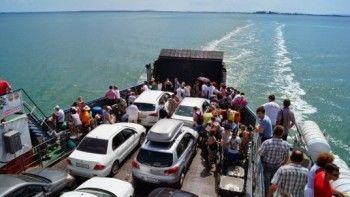 Застрявшим в Крыму туристам выдадут справки для работодателей