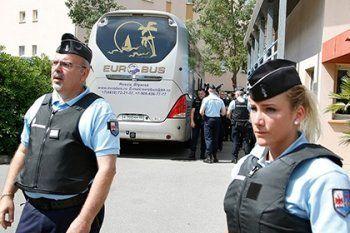 Французская полиция отпустила 11 болельщиков сборной России по футболу
