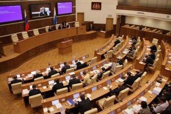 В новом созыве свердловского Заксобрания зарплаты лишат не менее 27 депутатов