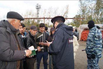На Букатинском рынке в Нижнем Тагиле задержали 12 нелегалов