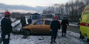 Массовое ДТП в Нижнем Тагиле: столкнулись три легковушки и КАМАЗ (ФОТО)