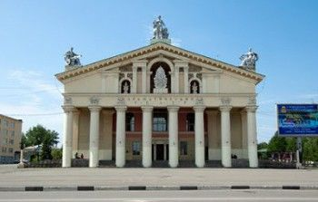 Поздравляем Нижнетагильский драматический театр!