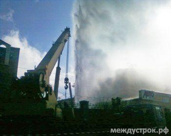 В центре Тагила бьёт фонтан с пятиэтажный дом