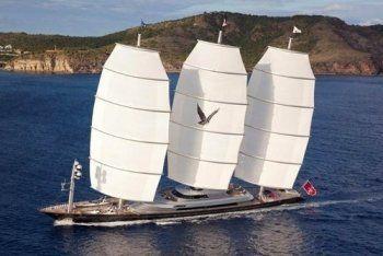 Песков провёл медовый месяц на самой дорогой яхте в мире