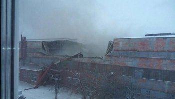 В Екатеринбурге из-за снега рухнула крыша завода. Есть погибшие