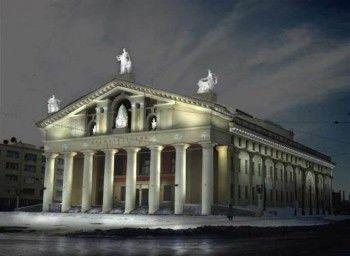 Тагильские учреждения культуры отменили торжества к профессиональным праздникам из-за трагедии в Кемерове. Филармония сегодня даст траурный классический концерт