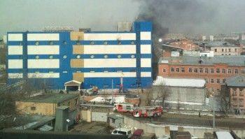На востоке Москвы загорелся ТЦ «Персей для детей». Есть пострадавшие (ВИДЕО)
