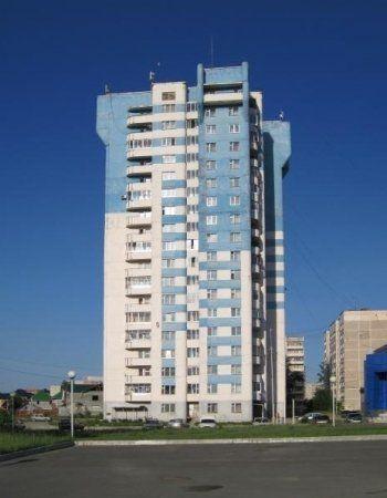 В Нижнем Тагиле с 18-этажного дома упал мужчина