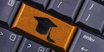 Россиянам разрешат получать очное образование онлайн