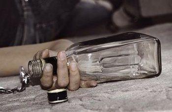 В Красноярске семь человек умерли, выпив Jack Daniels за 300 рублей