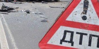 В Нижнем Тагиле после столкновения «девятка» вылетела на тротуар (ВИДЕО)