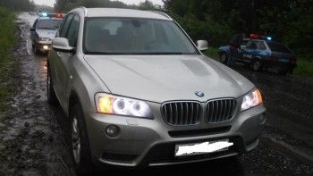 Под Нижним Тагилом BMW сбила сотрудника ГИБДД