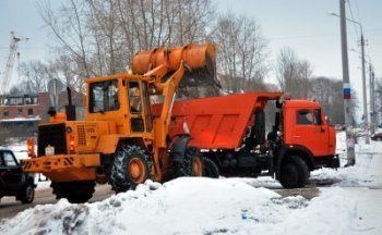 За месяц дорожные службы Нижнего Тагила вывезли снега в три раза больше, чем в прошлом году