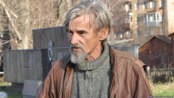 Суд снял с историка Юрия Дмитриева обвинения в детской порнографии, но наказал за хранение оружия