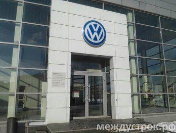 В России продажи новых автомобилей упали в два раза