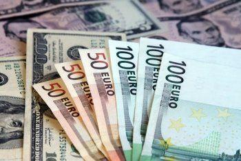 Центробанк повысил официальный курс евро более чем на два рубля