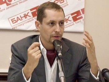 Председатель совета директоров «Банк 24.ру» сравнил крах бизнеса с комой мамы и попросил прощения у клиентов