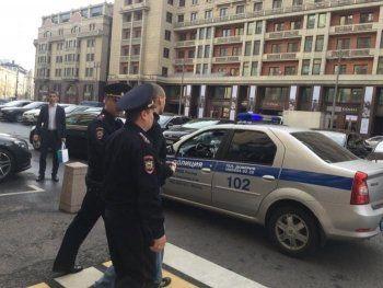Сергея Удальцова задержали на одиночном пикете возле Госдумы