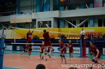 ЕВРАЗ-НТМК всухую обыграл «Уралвагонзавод» на волейбольном Кубке Ромазана в Нижнем Тагиле